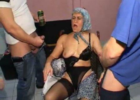 Групповое Изнасилование Бабушку Порно